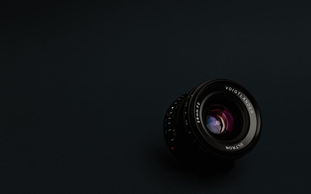 Voigtländer x Fujifilm – 28mm 1:2,0 Ultron VM